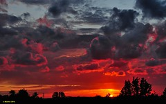 Sunset July 11, 2012 (Jacob Baartse) Tags: sunset netherlands clouds zonsondergang wolken noordholland zaanstreek 28200mm krommenie zaanstad nikond300 kleinebeer d300nikkor nikkor28200mmvr vrnederland noertholland