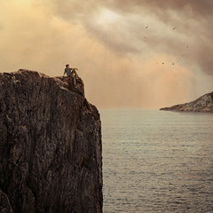 Peace is the time between two wars (Rubn Chase) Tags: portrait cliff art photomanipulation photoshop square photography photo retrato fine environmental manipulation cliffs portraiture squareformat chase format acantilado rubn acantilados ambiental carb cs5 freeflyer09