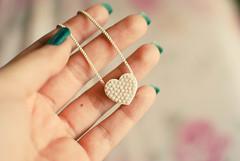 delicate heart ♥ (Natália Viana) Tags: cute love necklace heart sweet coração accessories lovely colar pendant pingente acessório natáliaviana