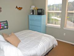 p120 Queen Bed