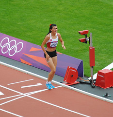 Merve Aydin shows the true Olympic spirit (zawtowers) Tags: park morning london true wednesday pain athletics women spirit stadium leg august games course heat second barrier session olympic olympics 800 olympicpark 8th stratford injured 2012 battling london2012 aydin merve metres completing