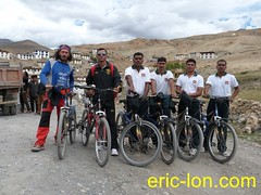 Eric Lon cycling at Kibber (5) (Eric Lon) Tags: school india lake mountains bike yoga trekking trek buddha lac monk bouddha tibet trail lane teaching himalaya sentier velo monastere vtt ecole spiti association inde montagnes bouddhisme marcher moine enseignement kibber ericlon byking randonner yogatrekking tibetindien