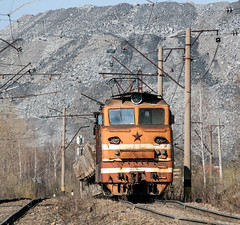 Quarry electric and diesel locomotive OPE1-328 (  1-328) (Aleksei Zadonskii) Tags: travel travelling electric train photo spring nikon mine industrial day seasons diesel russia earth transport rail railway loco trains locomotive coal railways 75300 quarry     d90            nikond90      ope1 1