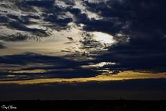 vu de ma fenre (png nexus) Tags: sky clouds jaune noir bleu ciel nuages couch