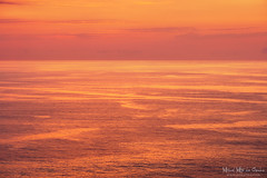 Atardecer rojo en el mar (Mimadeo) Tags: ocean light sunset red sea sky orange sunlight seascape color nature water beautiful beauty landscape gold dawn golden evening scenery dusk background empty horizon scenic peaceful nobody calm relaxation idyllic tranquil