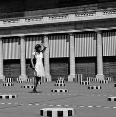 touriste  Paris (Coeur Caf) Tags: paris soleil t palaisroyal buren colonnes touriste courdhonneur