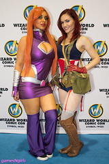 Starfire and Captain America cosplay (The Doppelganger) Tags: cosplay starfire cosplayer dccomics cleavage captainamerica miniskirt marvelcomics wizardworld wizardworldphiladelphia sexycosplay wizardworld2016