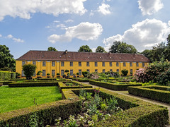 Orangerie Schloss Benrath (KL57Foto) Tags: park castle castles juni pen germany deutschland und foto north olympus palace nrw schloss dsseldorf garten nordrheinwestfalen rhineland schlsser orangerie benrath 2016 burgen rhinewestphalia schlossbenrath parkanlage landeshauptstadt dsseldorfbenrath benrather benratherschloss epm2 kl57