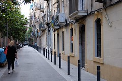 Street of Barceloneta (Xaf) Tags: barcelona street woman calle mujer barceloneta fujifilm streetphoto carrer dona fujifilmxworld esfujifilmx