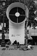 Place Pompidou (Franco & Lia (away for awhile)) Tags: street blackandwhite paris noiretblanc biancoenero parigi photographiederue placepompidou fotografiadistrada 2485f284