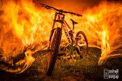FUEGO-GAMBLER (Douviant Pey Bureau Guerola) Tags: fire fuego light lightpainting nikon bike bici gambler downhill sport diesel d7100 nikond7100 original canon photography creatividad creativity bycicle bicycle