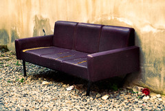 Ο καναπές σας βγήκε στο δρόμο...εσείς;