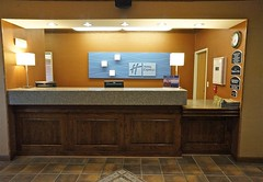 The Front Desk (ricko) Tags: hotel desk front lobby emporia kansas checkout checkin holidayinnexpress receptionarea scottandandiswedding