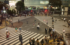47 seconds in Shibuya 4/5 (Alberto Sen (www.albertosen.es)) Tags: japan night tokyo noche nikon cross shibuya alberto starbucks japon sen cruce tokio albertorg