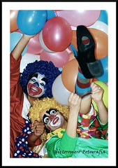 payasas (hectoromero) Tags: girls portrait people hair balloons funny colours clown colores globos payasos