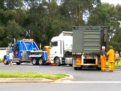photo by secret squirrel (secret squirrel6) Tags: rescue breakdown towtruck recovery taillights kw gippsland cfa kenworth mirboonorth morwell mandiesel secretsquirrel6truckphotos gunnstowing