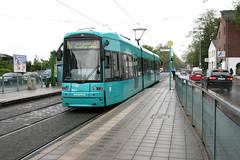 VGF 223 [Frankfurt tram] (Howard_Pulling) Tags: canon germany deutschland photo foto hessen photos frankfurt picture tram german fotos trams strassenbahn 2012 hesse bombardier 223 muehlberg vgf linie16 400d flexityclassic muhlberg