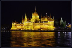 Parliament by night (wriggler!) Tags: light 2 reflection building me night river photography europe hungary you budapest parliament danube orszghz arhitecture wgry wriggler budapeszt flickraward me2youphotographylevel2 me2youphotographylevel3 me2youphotographylevel1