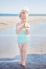 Beach Girl (Heidi Hope) Tags: rhodeisland childrensphotographer rhodeislandphotographer heidihopephotography heidihope httpwwwheidihopecom rhodeislandportraitphotographer rhodeislandfamilyportraits rhodeislandchildrenportraitphotography rhodeislandbabyportraitphotography