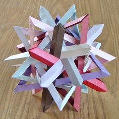 Annapurna (sin cynic) Tags: triangles paper triangle origami modular annapurna icosahedron dodecahedron papercraft polyhedron papersculpture robertlang modularorigami cordenons stardream polypolyhedron tenintersectingtriangles