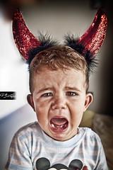 hell (Paco Jareo Zafra) Tags: portrait canon funny child retrato un disfraz diablo chico este es nio cuernos iker divertido demonio 500d llorar gritar pacosrulz