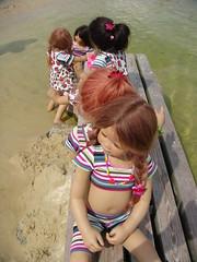 Kindergartenkinder (Kindergartenkinder) Tags: wasser dolls sommer annettehimstedt kindergartenkinder himstedtkinder naturbadolfen