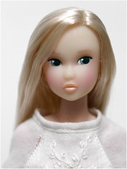 Lily white flower (yoshi_lapoo) Tags: doll madison ae ccs pw saran sekiguchi momoko reroot petworks restoredoll honeyface kogumaza princessofqueencatanddeer