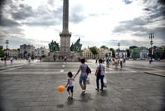 _GED3420 -1 (light&shade2) Tags: bridge house budapest statues terror stalin russion grandiose gezzfarrarphotos nikond750 hungrychain