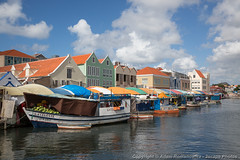 Punda Floating Market in Willemstad (3scapePhotos) Tags: 3scapephotos antilles curacao netherlands willemstad boat caribbean cities city dutch floating island market shop travel tropical tropics