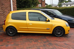 LY 182 28-06-16 001 (AcidicDavey) Tags: yellow clio renault liquid 182 renaultsport