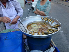 Street Food - Yummy Fried Sardines - P1320017 (Toby Garden) Tags: istanbul turkey dolmabahe palace dolmabahce