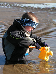 The professional at work (Island 2000 Trust) Tags: tourism beach islands coast snowman sand holidays sandy arts coastal shore isleofwight creativecommons beaches sandman publicart intertidal sandsculpture extravaganza wight shanklin sandandsun thelittlepeople winteronthebeach europeanislands beachholidays island2000 freepictures gifttonature coastalphotography isleofwightbeaches coastalconservation ecoisland isleofwighttourism shorelineprojects sandyislands theisleofwightisfab islandness beachimages picturesofthebeach islandbreaks isleofwightevents