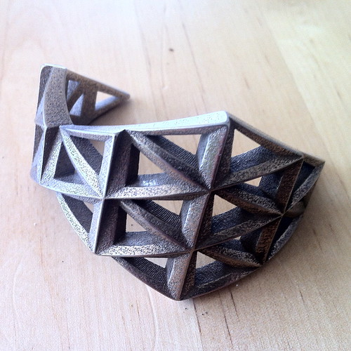 Triangulated Cuff