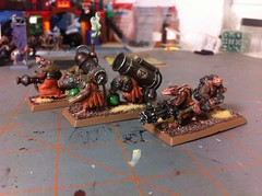 Skryre Weapon Teams (benjibot) Tags: warhammer skaven warpfirethrower rattlinggun poisonwindmortar
