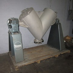 10 cu ft Patterson V-Blender, Stainless Steel, Item# 2721 (Ingalls Process Equipment Company) Tags: feet foot stand cu 10 steel mixer equipment company v ten chamber co patterson blender ft process stainless lining ingalls pattersons cubic jacketed rotaing ipeco vblender ipeco77 ingallsequipment