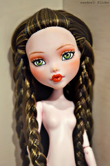 Ooak Monster High, Draculaura. (Sandra) Tags: monster high flickr sandra ooak saran repaint reroot monsterhigh draculaura sandra sandraflickr sandraflickr