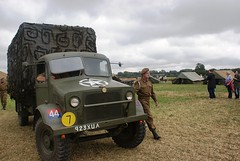 Towing a 25-Pdr (MJ_100) Tags: show tractor tower truck soldier army fight military battle ww2 vehicle artillery british reenactment reenactor secondworldwar worldwartwo livinghistory 2011 victoryshow