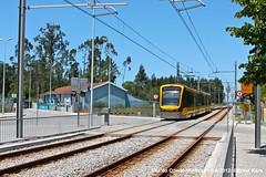 Modivas Centro (Vila Chã) (ernstkers) Tags: streetcar tram tramvia tranvia trolley lightrail flexityswift metrodoporto porto portugal strasenbahn viladoconde modivas vilachã mplinhab bonde spårvagn
