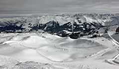 Trails in the Snow (Nataraj Metz) Tags: schnee winter panorama mountain snow alps canon austria sterreich europa europe berge alpen gebirge vorarlberg kleinwalsertal riezlern ifen hoherifen allgueralpen alpmountains eos550d eosrebelt2i tamron18270mmf3563diiivcpzd