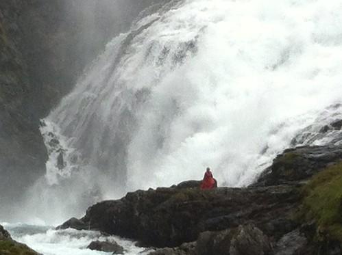 awkward performance by norwegian waterfall siren