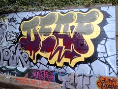 (Steez Louise) Tags: one graffiti san francisco deaf hui huik deafone