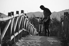 biker in the sand (Aderval Fotografía) Tags: wood bridge shadow bw mountain man blancoynegro beach valencia bike contraluz way puente person persona madera sand camino path bicicleta sombra playa arena ciclista bici biker silueta montaña hombre gandia aderval