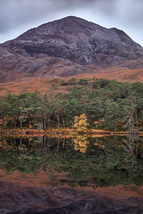 Loch Clair Reflection (KennethVerburg.nl) Tags: uk greatbritain autumn lake reflection tree fall landscape meer boom loch clair 2012 landschap torridon schotland reflectie grootbrittannie lochclair verenigdkoninkrijk
