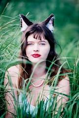 Sarah C - Cat 2 (JRPhotographyBC) Tags: zeiss t 50mm nikon fuji superia fujifilm superia400 50mmf14 planar carlzeiss nikonf5 zeiss50mm zeisszf carlzeisst cz50mm planarzf2 50mmzf2 meta35 superia400ratedat100 cz50mmzf2