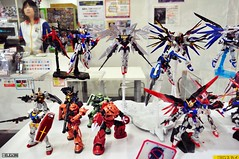 Tokyo Gundam Front display (4ELEVEN Images) Tags: travel japan mall toys tokyo store model nikon asia display robots gundam zaku figures mecha gunpla d5000