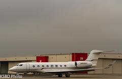 N900KS G650 (KSBD Photo) Tags: airport bur burbank g6 gulfstream kbur g650 burbankbobhopeairport glf6 gulfstreamfan gulfstreamforever n900ks