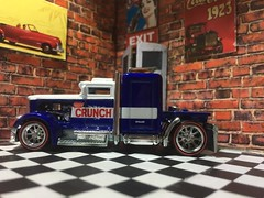 Convoy Custom (FNK78) Tags: hotwheels semitruck crunch convoycustom