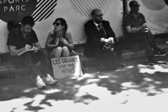 PARCELLE 16-014_20* (gyjishukke) Tags: monochrome analog 50mm noiretblanc minoltax700 14 17 streetphoto pancarte 32 manifestation argentique 1600iso ilfotecddx kentmere400 believeinfilm shootfilmnotmegapixels