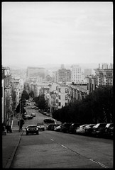 SF Hills (RafaelGonzalez.) Tags: sanfrancisco california blackandwhite film analogue leicam6 leica 35mm ilfordhp5plus streets 50mm summicron