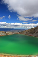 Emerald crater lake (matthew.morgan95) Tags: newzealand lake landscape volcano nationalpark crater northisland mounttongariro tongariroalpinecrossing ayrphotoscontestclouds